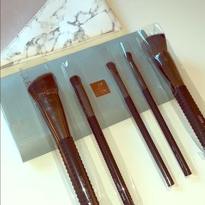 Never been used Laruce makeup brushes